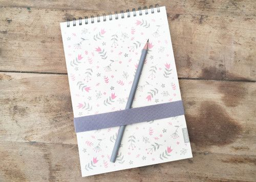 Skicák Formace - Růžové kytky