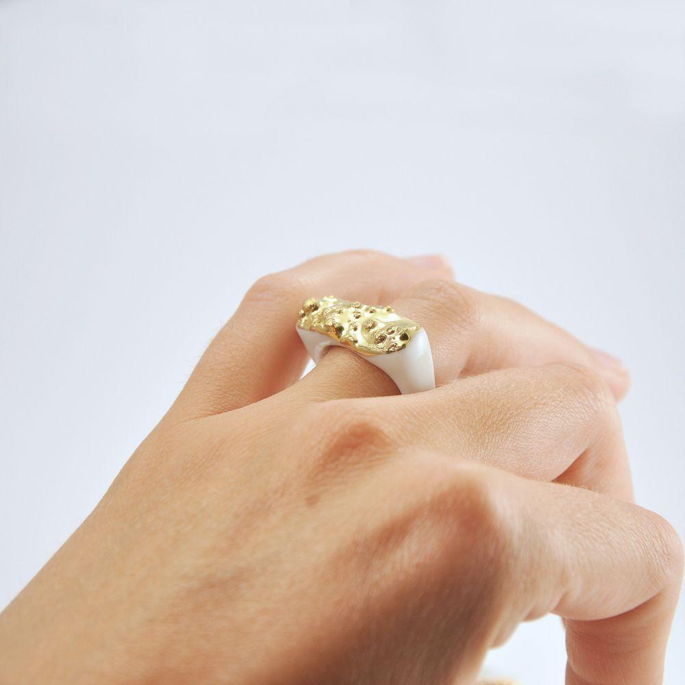 Prsten MH - zlatá textura