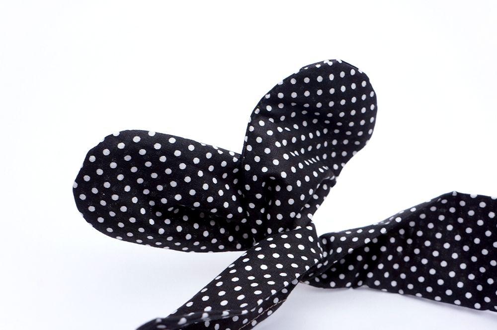 Čelenka Grešáková - Černé puntíky