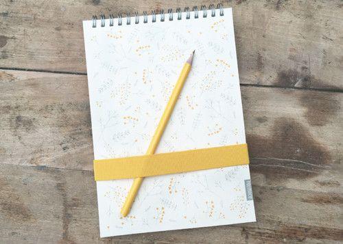 Skicák Formace - Žlutá louka A4