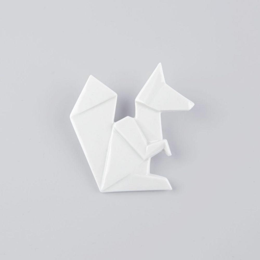 Brož Stehlík Design - Veverka