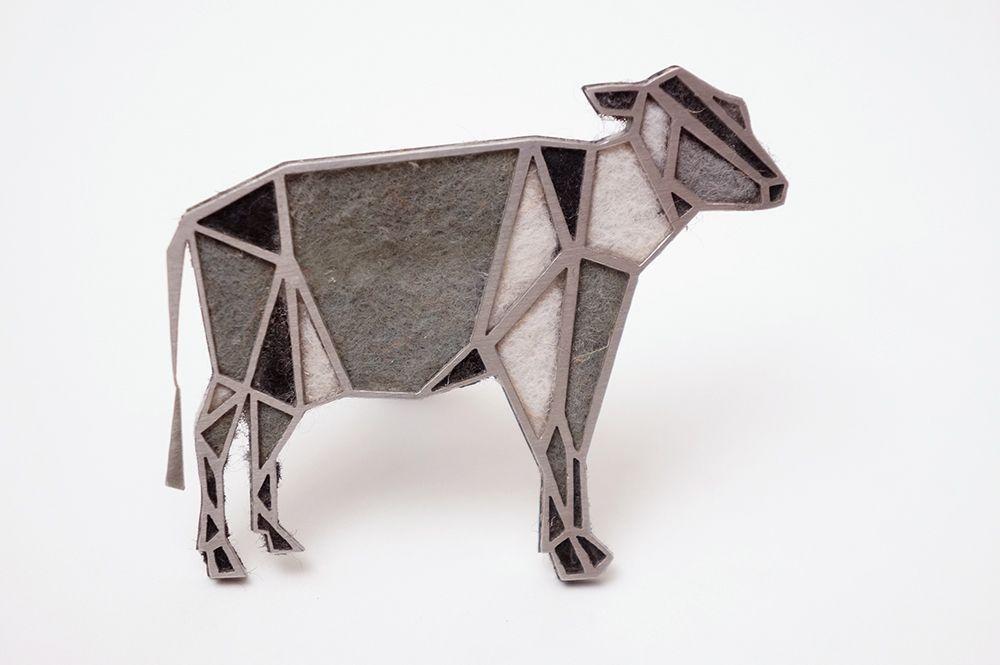 Brož Intimity - kráva