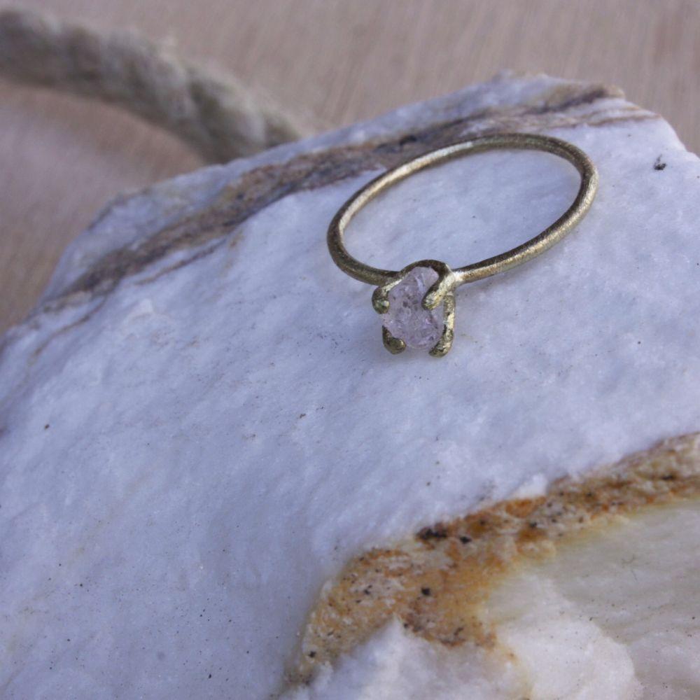 Prsten Kvas.ek - s kamenem