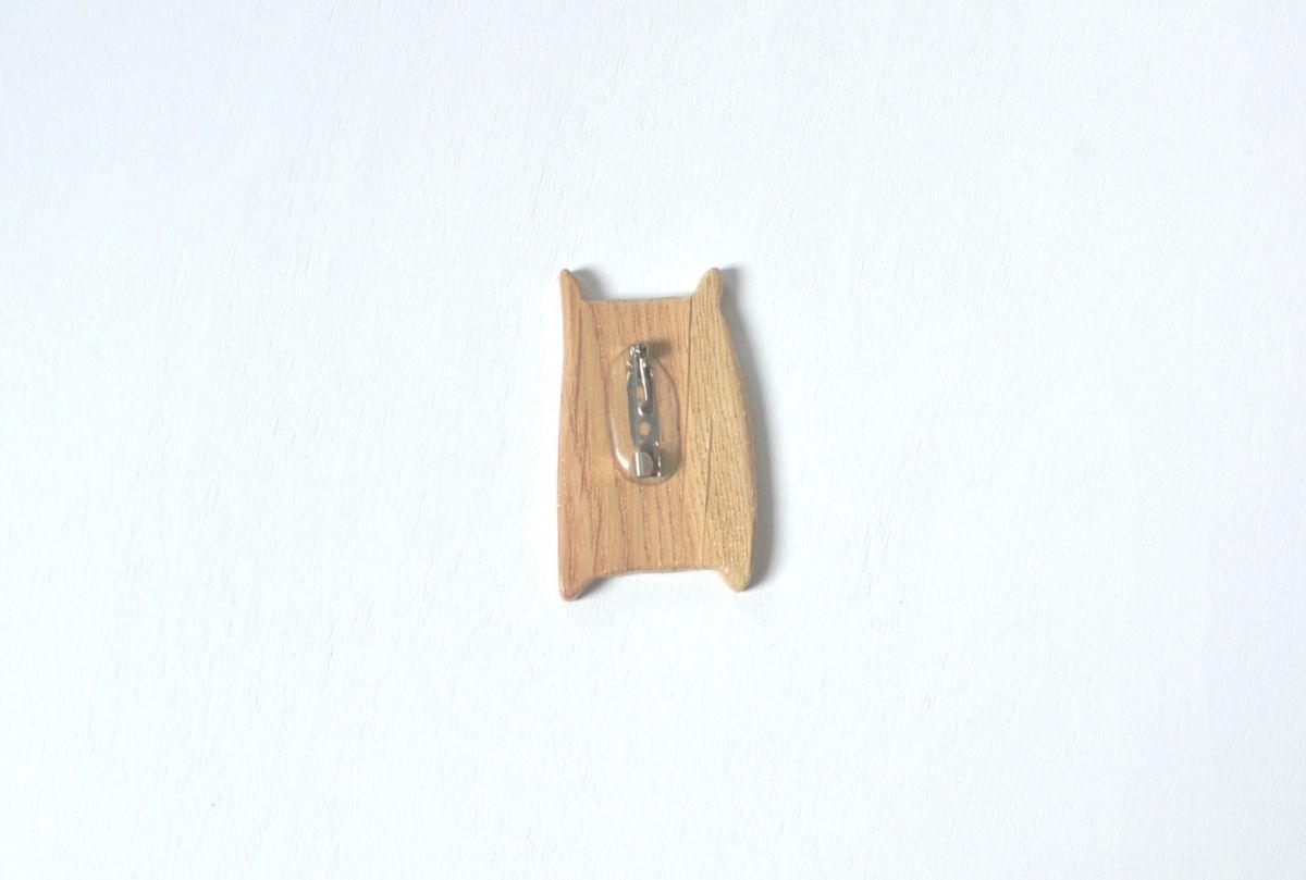 Brož The little story - dřevěný medvěd